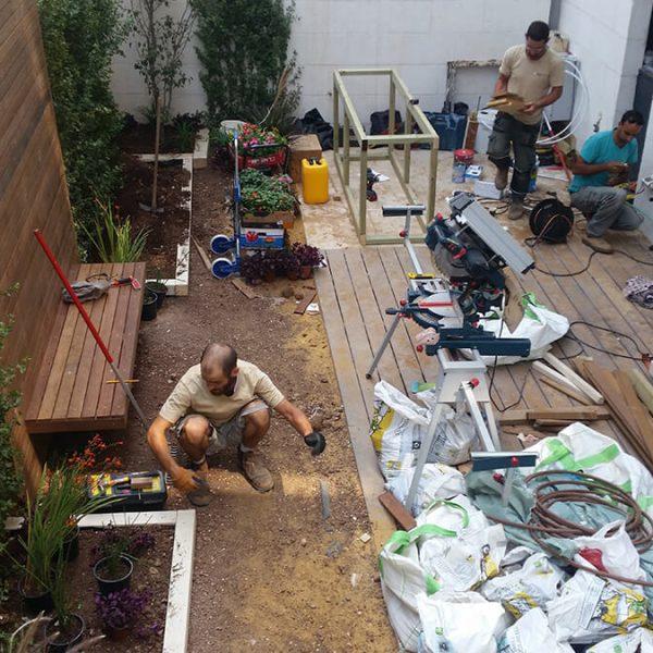 עיצוב גינה בדירת קרקע - תחילת הבנייה